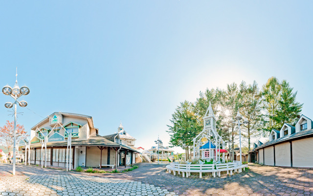 清里駅から少し行ったところにあるかつてのショッピングモールエリア。
