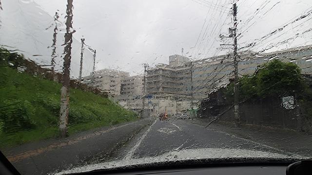 大会に向かう途中、さっきまで晴れていた米子が急に大雨になった。