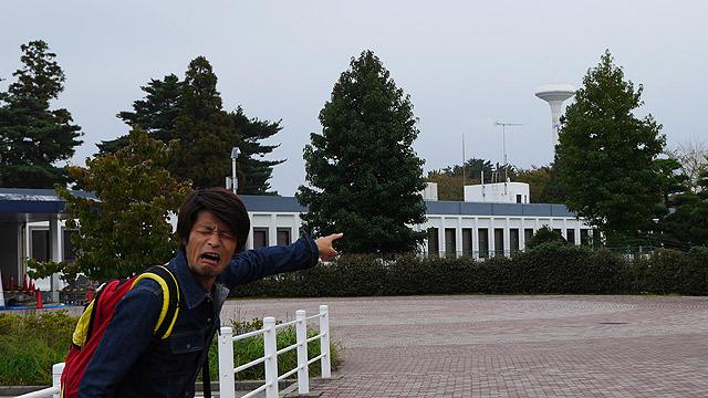 JAXAの給水塔がUFOっぽくて怯える安藤氏