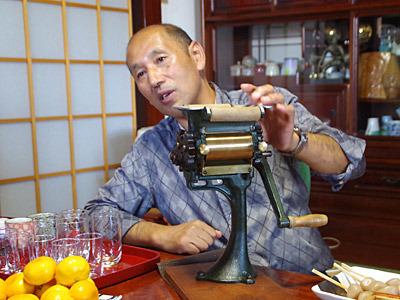 丸喜製麺所二代目の佐藤昇さん。お昼にはだいたい麺類を食べるそうです。