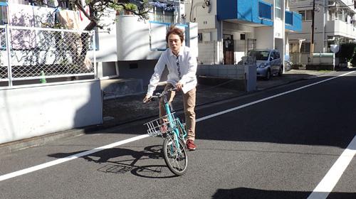 こんな感じに乗ってる自転車からの映像だと思ってください