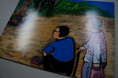 最新作の「きつねの盆おどり」は墓参りの帰りの親子がきつねにばかされる話。炭坑節や東京音頭が途中に挿入されてみんなで歌ったり手拍子で参加したりできる。登場人物にもしっかりお年寄りがフィーチャーされている