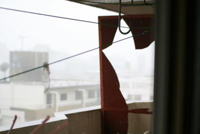 これは僕が住んだ2番目の家である。台風で仕切り板が割れた。