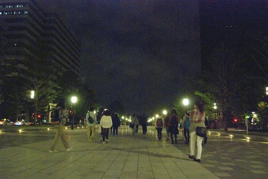 丑三つ時の東京と深夜ハイカー