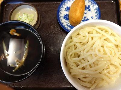 きのこ汁うどん450円。安い!