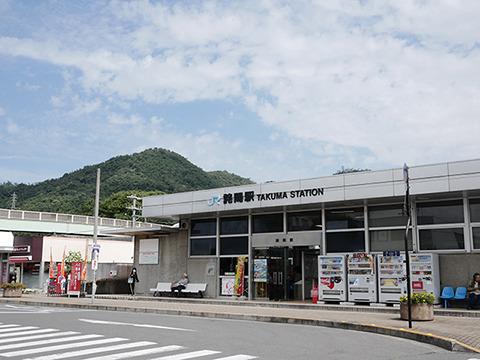 香川県の西の方、詫間駅からバスが出てる