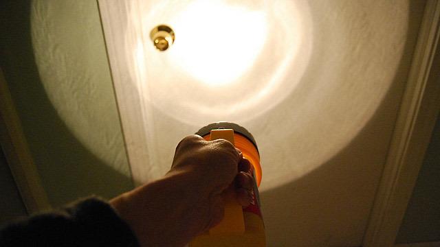 暗いところと言えば懐中電灯!