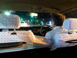 タクシーの運転手さんは「あー、以前はよく橋見に来る人いたけど、最近はあんまりだねえ」と言ってました。