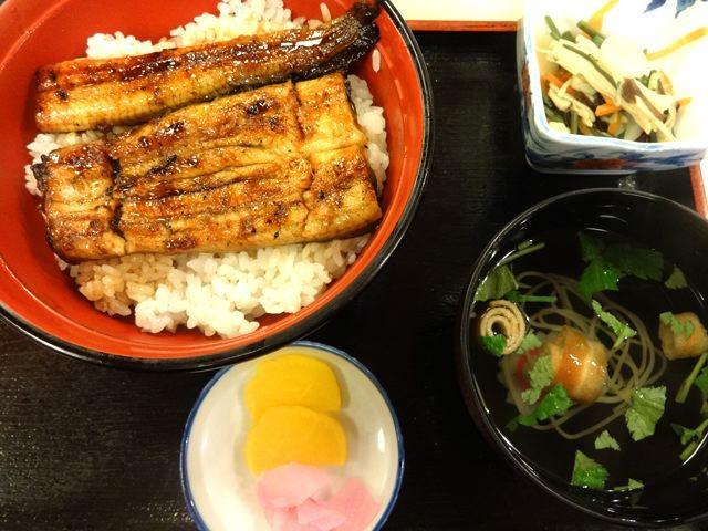 そして成田山の参道名物、うなぎも食うぜ。