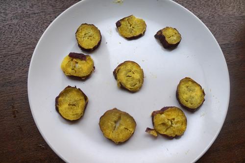 わざとかぴかぴにさせて(薄く切ってレンジ強に2~3分かけた)かたい芋という可能性も探ったが、広くお勧めできるところまでは持っていけなかった