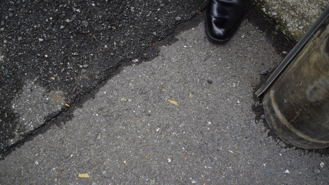 路上にクロワッサンの皮がボロボロ落ちるのは気になったが