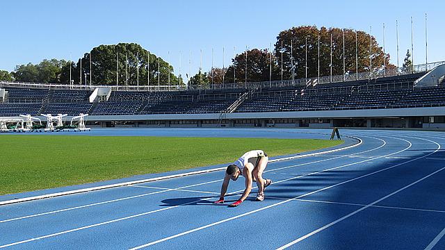 駒沢オリンピック公園陸上競技場 で開催されました。ギネス公式認定員も来るちゃんとした大会です。