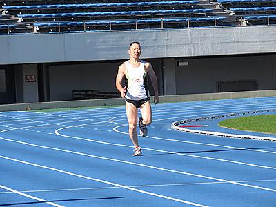 とりあえず100mを全力で走ってみる。オッサンには112kmや250km走るよりも辛いです。