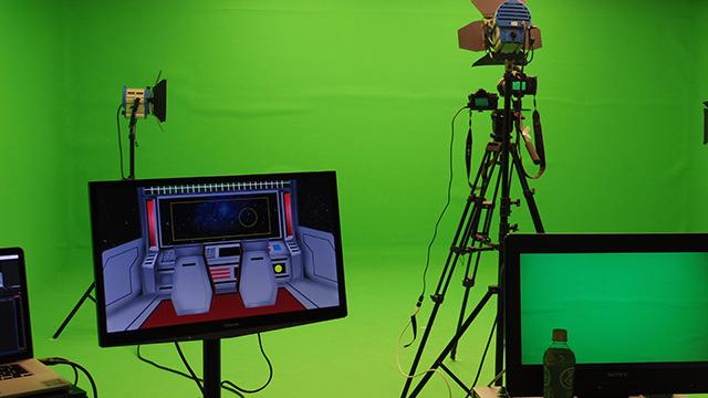 クロマキー撮影のできるスタジオにて
