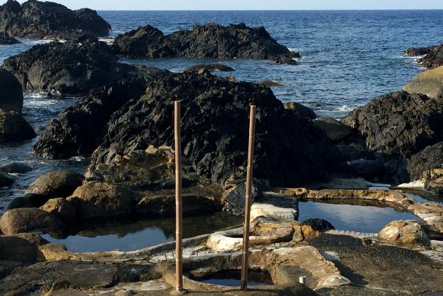先月は屋久島のワイルドすぎる温泉について書かせて頂きました(参考記事:「屋久島は温泉までもワイルドだ」)