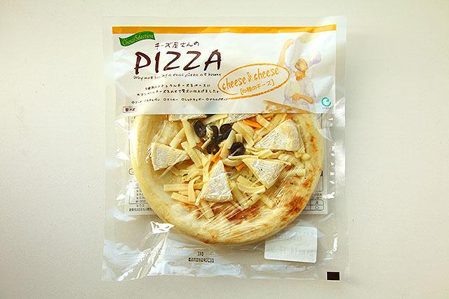 カマンベールチーズがゴロッと入ってる。こんなチルドピザ初めて見た。