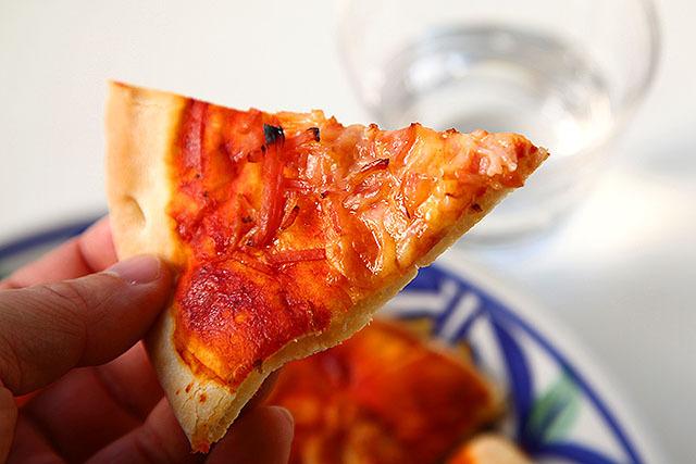 これもピザか、と不思議な気持ちになる。
