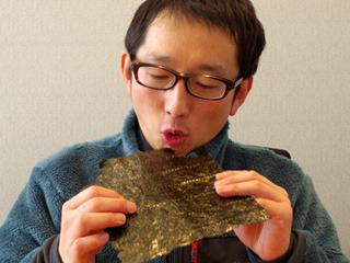 高い海苔をそのままバリバリ食べたら驚きのうまさ(斎藤充博)