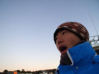 冬の海釣り(玉置豊)