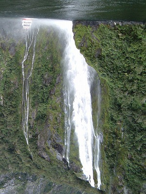 スターリング滝(ニュージーランド)