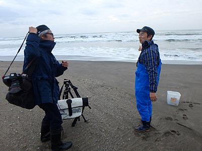 この日は「HUNT Vol.06 」という雑誌の取材があり、カメラマンの山田芳郎さんに素敵な写真をいただいたので一部使わせてもらいました。HUNTの記事も合わせて読もう。