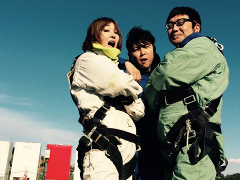 第2陣の土屋、池田さん、斉藤さん。みな余裕顔。上の写真と空の色がちがうのは、実は1時間ずれがあるからである。