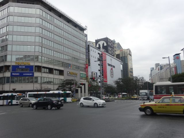 西鉄バスだらけの福岡の中心「天神」