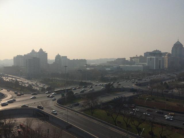 北京市朝陽区建国門外外交公寓から南西の建国門交差点(出題:ドテツ