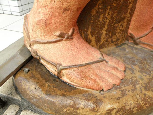 粘土ならではの細かい造作も、各所に見受けられる