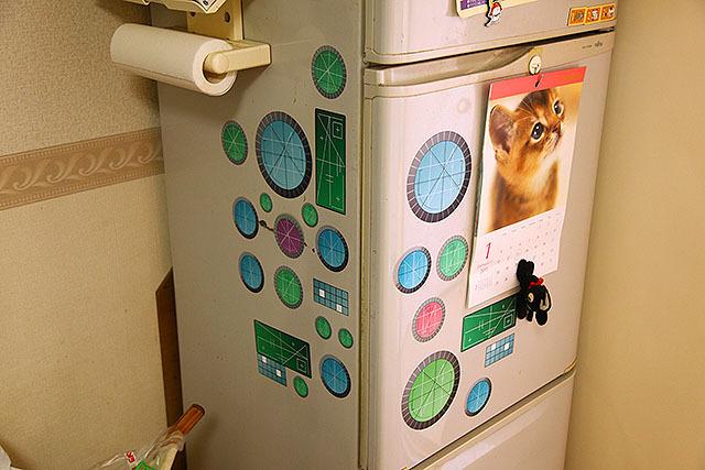 もう21世紀なんだから、冷蔵庫だってこれくらい松本メカでもいいと思う。