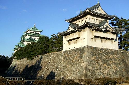 現在、本丸御殿を再建中の「名古屋城跡」
