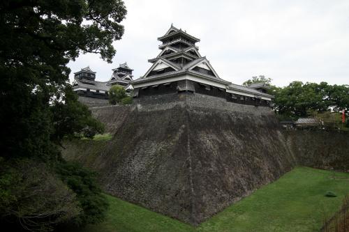 ヤバいくらいの高石垣を持つ「熊本城跡」