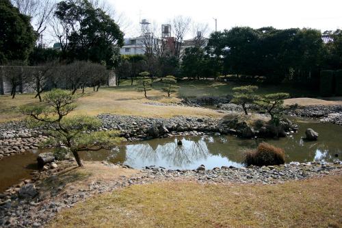 こちらは奈良時代に作られた「平城京左京三条二坊宮跡庭園」