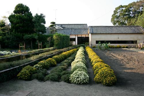 水路や畑まで完備されている「廉塾ならびに菅茶山旧宅」