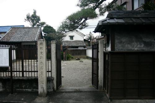 まぁ、普通の家の跡地という感じの「本居宣長旧宅跡」