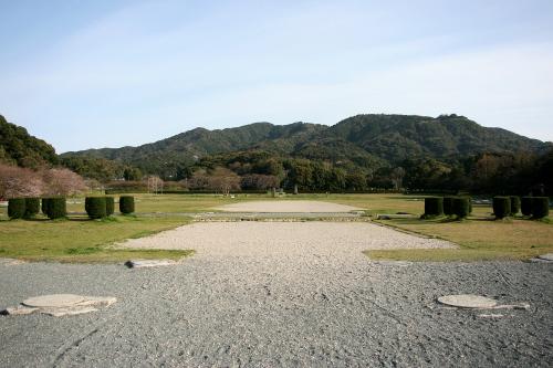 九州の政治的拠点であった「大宰府跡」。その背後の山全体が「大野城跡」だ
