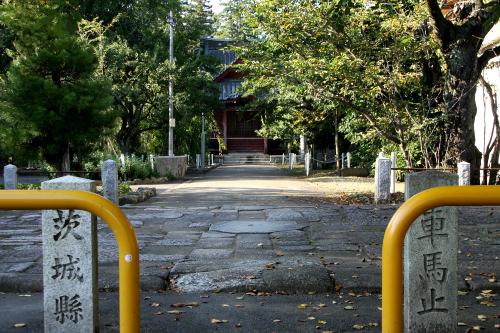 近くの「常陸国分寺跡」もまた特別史跡。こちらは現在も寺が存続している