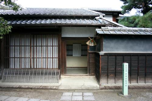 松阪城跡に移築されている建物の方も、普通の町家である