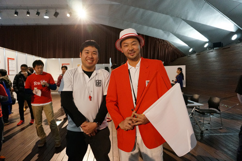 Don't touch the rope before a sign. One game for 20 seconds!. The judged strictly. (left-right: Mr. Nakajima, sub-referee & Mr. Yoneji, main-referee)