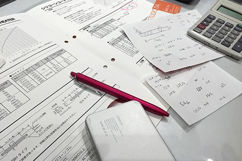 オームの法則とか使って計算中。中学の理科でやったなー。
