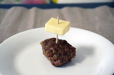 チーズoverハンバーグ