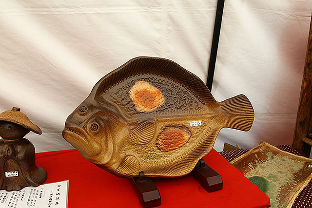 ヒラメの大皿38000円。大きいものは高い法則。