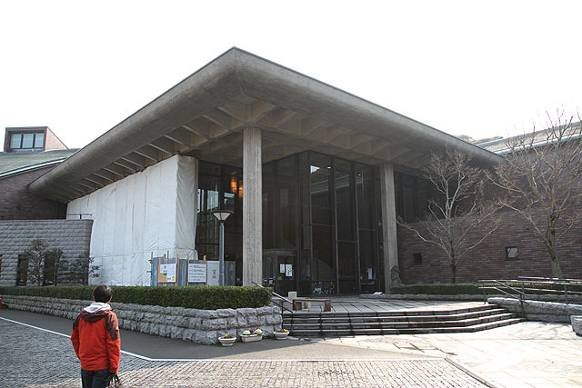併設されている博物館がこれまた巨大。