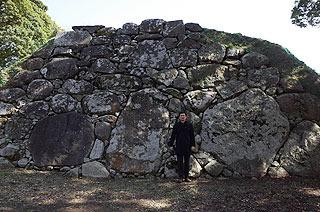 名護屋城の鏡石。
