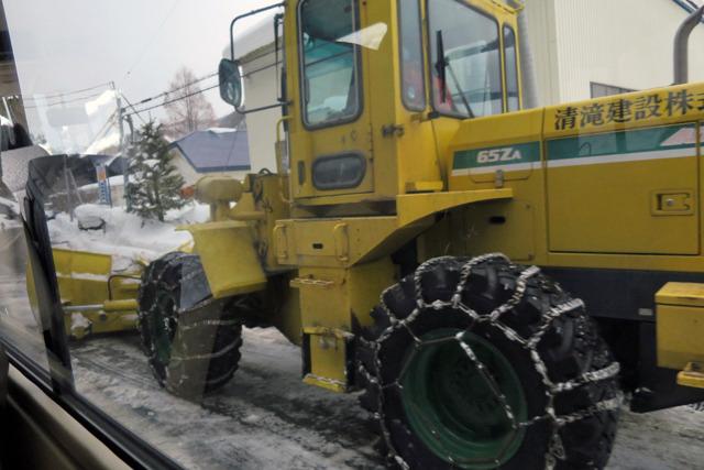 あちこちで除雪作業が行われている