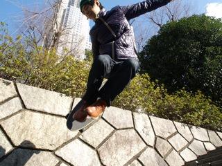 これは跳べない人がトリックで撮ったイメージ写真です(こちらの記事</a>より)
