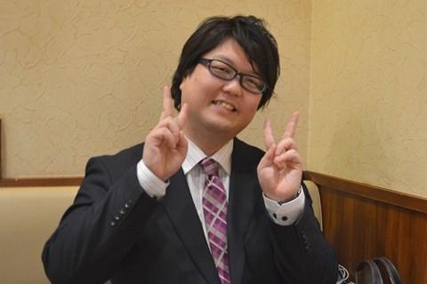 乃木坂ファンにも人気のダブルピース古川さん。