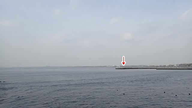 実験には見晴らしのいい海沿いを選びました。