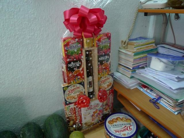 テトはとにかくめでたいので、贈答品もよく出回る。 ワイン、お菓子、コーヒー、日本のお中元のラインナップと大して違いはないかも。