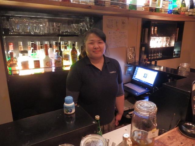 スタッフの秦野恵美さん